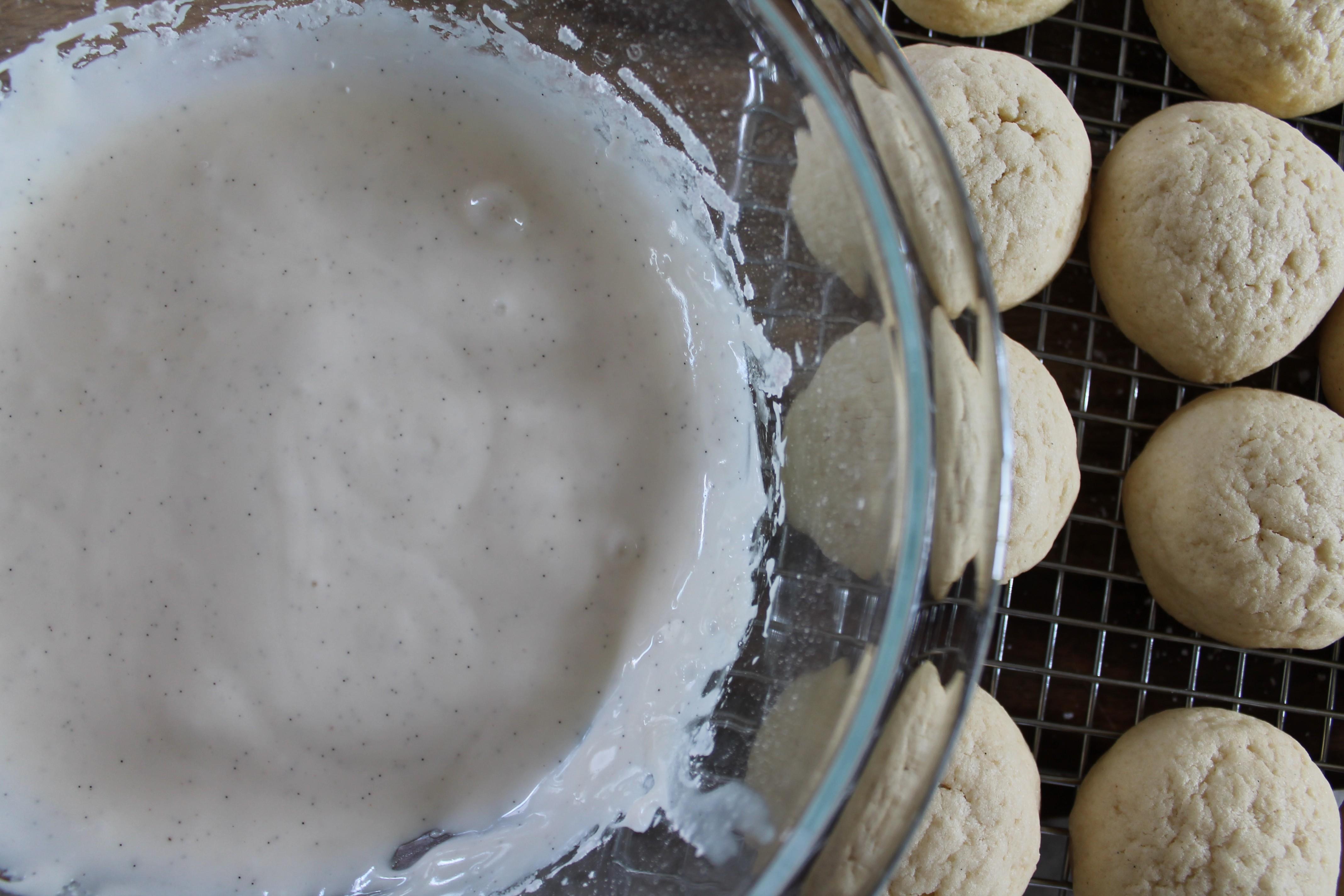 Sour Cream Glaze